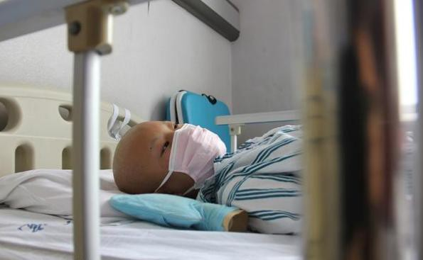 Bé gái 14 tuổi buộc phải dùng thuốc tránh thai 3 lần/ngày, lý do thực sự khiến ai cũng thương xót - Ảnh 3.