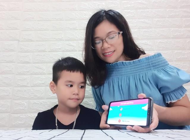 Bí kíp giúp con thành thạo tiếng Anh ngay tại nhà của gia đình Đậu - Ảnh 3.
