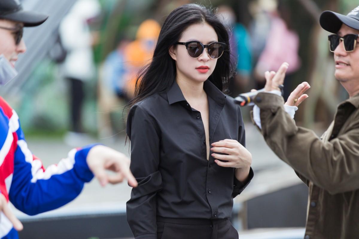 Hoang Thuy Linh 5