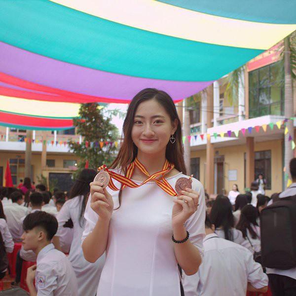 can-canh-nhan-sac-doi-thuong-long-lanh-cua-tan-hoa-hau-the-gioi-viet-nam-2019-luong-thuy-linh-9-1564817467-780-width600height600-15648512966501545120132