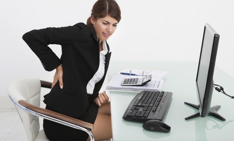las-7-posturas-diarias-a-evitar-para-que-no-te-vuelva-a-doler-la-espalda