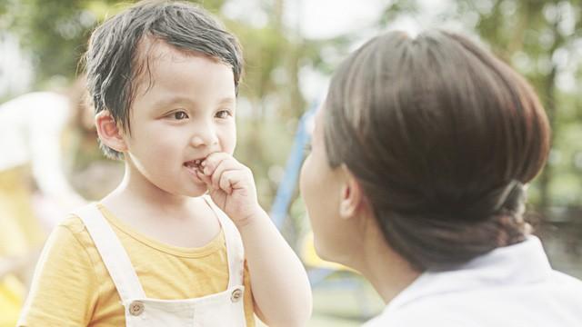 """Cười ra nước mắt: """"Loạn"""" nhà chỉ vì tìm cách trị biếng ăn cho con  - Ảnh 2."""