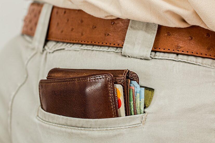 wallet-1013789_1920-828x552