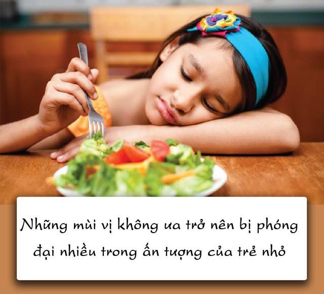 Nỗi lòng của trẻ táo bón: Mẹ ơi đừng ép con ăn rau! - Ảnh 1.