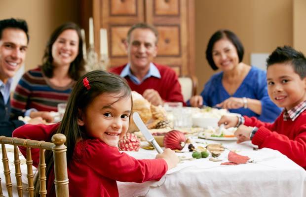 Những thói quen tốt của cha mẹ sẽ tác động tới con cái - Ảnh 2.