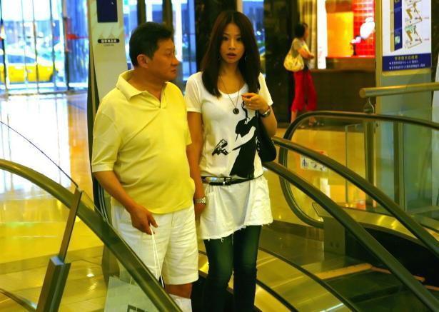 """Chuyện nhà đại gia Đài Loan: Sự """"tự diệt"""" của kẻ thứ ba và màn """"phản công"""" không thể đùa của bà vợ cao tay sau bao năm chịu đựng chồng ngoại tình  - Ảnh 5."""