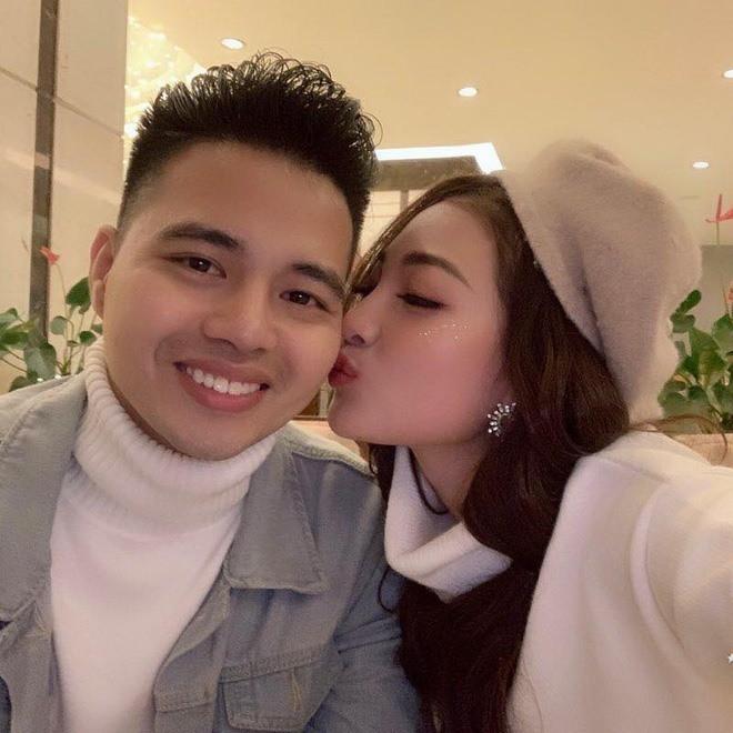 Những đám cưới xa hoa, dát đầy vàng của con đại gia Việt - Ảnh 1.