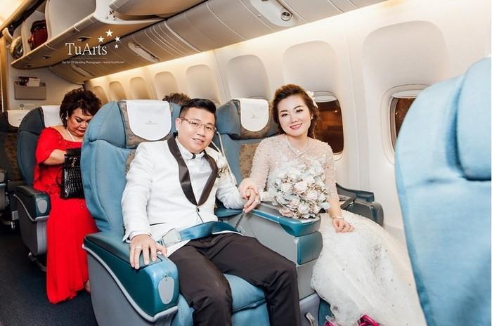 Những đám cưới xa hoa, dát đầy vàng của con đại gia Việt - Ảnh 8.