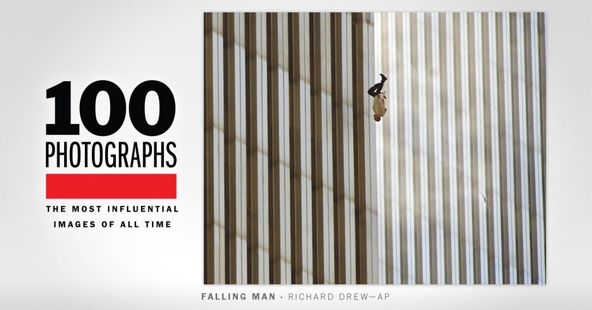 """Đã 18 năm kể từ khi vụ khủng bố 11/9 đoạt mạng hàng nghìn người Mỹ, bức ảnh """"người đàn ông rơi"""" vẫn không ngừng gây ám ảnh - Ảnh 2."""