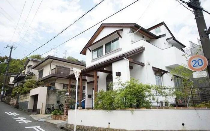 Tại sao tầng lớp bình dân Nhật Bản sống trong biệt thự, người giàu lại sống trong căn hộ?