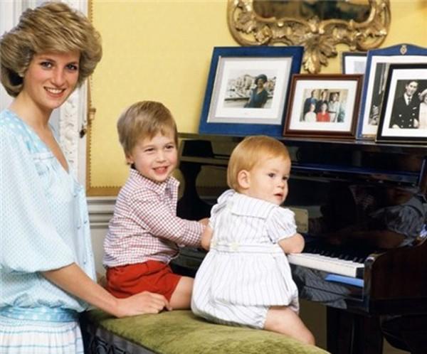 Hé mở sự thật về bữa ăn ngày thứ 7 cho 2 con trai của Công nương Diana khi còn sống - Ảnh 2.