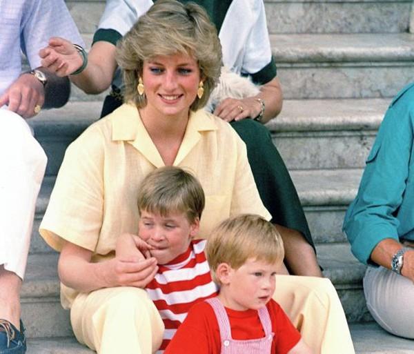 Hé mở sự thật về bữa ăn ngày thứ 7 cho 2 con trai của Công nương Diana khi còn sống - Ảnh 3.