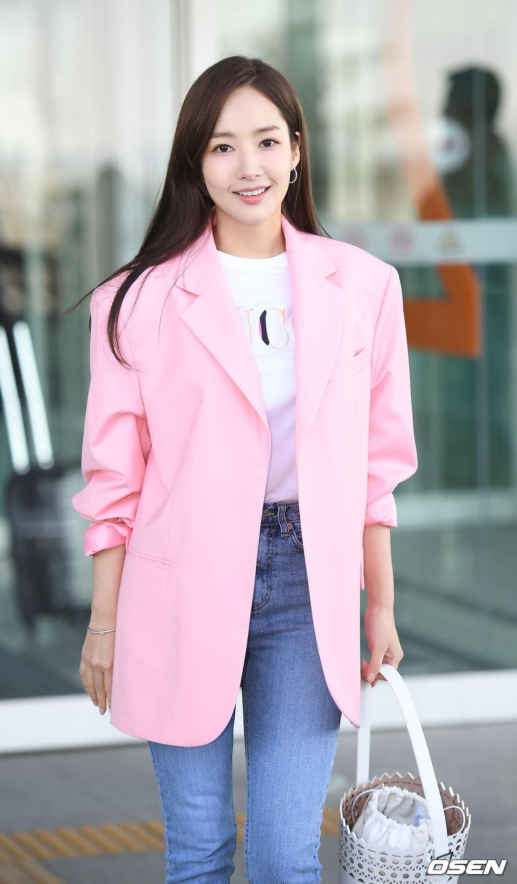 """So kè nhan sắc hai đại mỹ nhân sắp tới Việt Nam: Tình cũ Lee Min Ho mang danh """"dao kéo"""", người đẹp SNSD bị gọi là """"bình hoa di động - ảnh 17"""