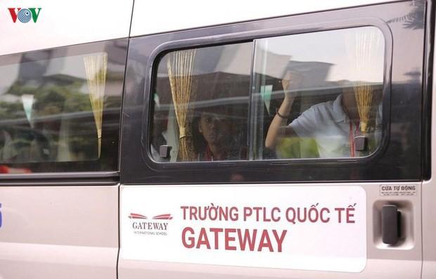 Bỏ quên học sinh trong xe ôtô: Đồ Rê Mí bị đình chỉ, Gateway lại không? - Ảnh 1.