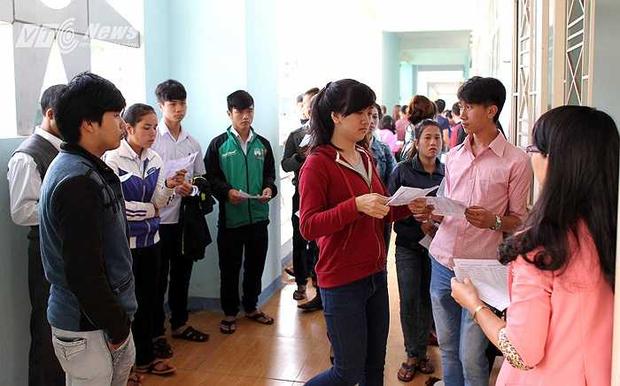 Ngắm loạt ảnh thời đi học của dàn cầu thủ đội tuyển Việt Nam: Ai cũng nhìn cực ngố tàu, riêng Xuân Trường gây bất ngờ với thành tích học tập khủng - Ảnh 13.