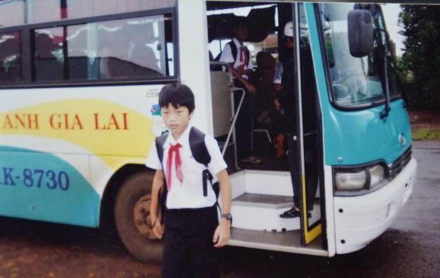Ngắm loạt ảnh thời đi học của dàn cầu thủ đội tuyển Việt Nam: Ai cũng nhìn cực ngố tàu, riêng Xuân Trường gây bất ngờ với thành tích học tập khủng - Ảnh 7.