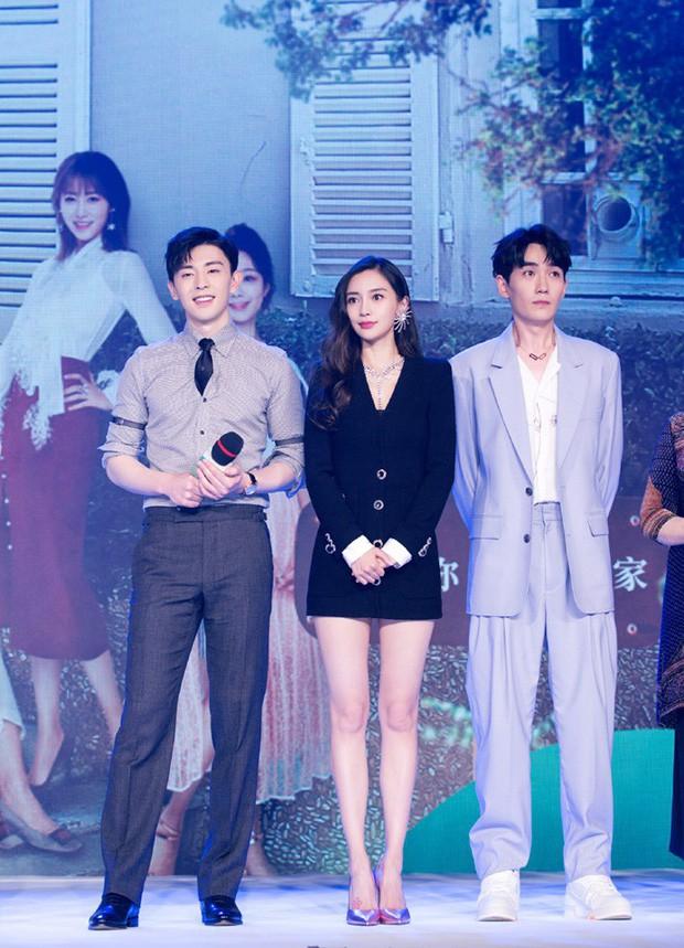 Mix đồ cả cây tưởng là sang nhưng chưa chắc đã đẹp hơn, Angela Baby và Seo Ye Ji chính là ví dụ - Ảnh 2.