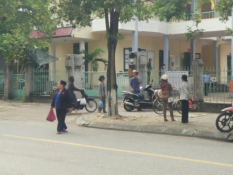 Cựu Bí thư đoàn phường ở Thái Bình lĩnh 2 năm tù vì dâm ô bé gái 11 tuổi - Ảnh 1.