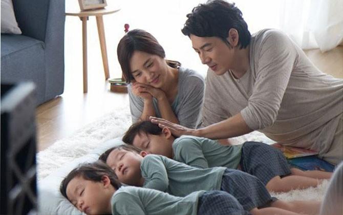 """Dạy con đã khó nhưng """"Ông bố quốc dân"""" Song Il Gook phải chóng mặt với đàn con sinh 3  - Ảnh 7."""