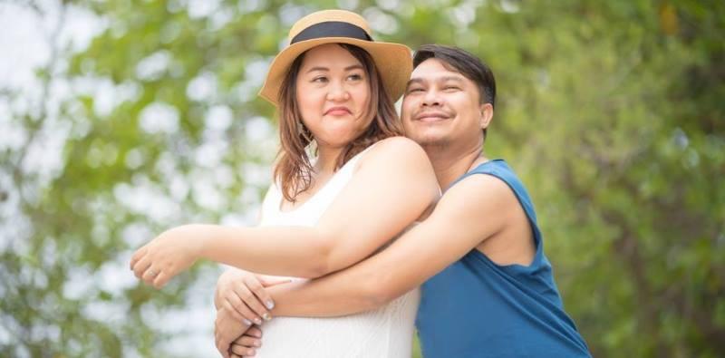 fat-happy-couple-lead