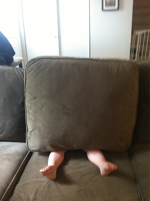 funny-kids-playing-hide-and-seek-44__605