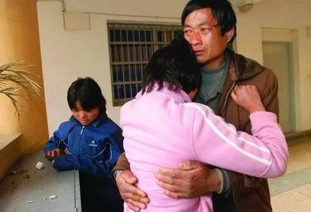 3 năm sau khi ly dị vợ, cả cha và con gái đều mắc ung thư đường ruột vì 1 nguyên nhân chẳng ai ngờ tới - Ảnh 2.