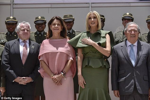 Bao điểm thời trang sang chảnh của ái nữ Tổng thống Trump bỗng bay biến sạch sẽ chỉ vì một cơn gió vô tình - Ảnh 6.