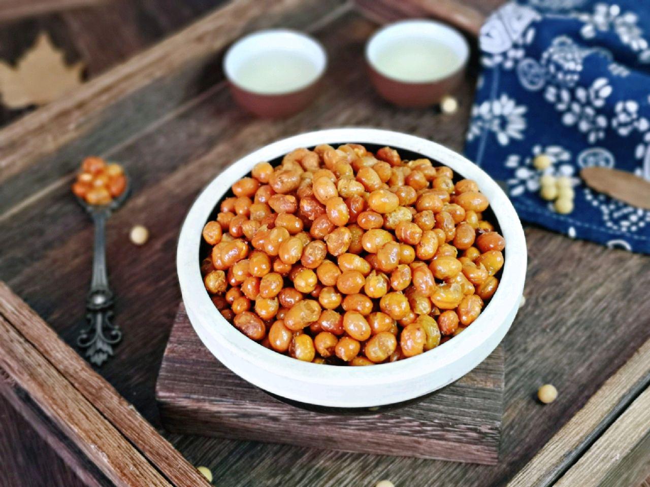 Trời lạnh làm đậu nành chiên giòn tẩm muối tiêu ăn cực ngon - Ảnh 5.