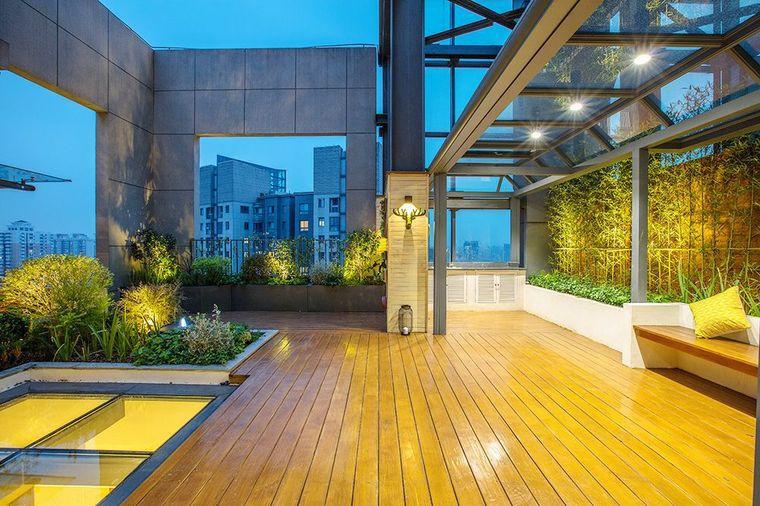 Bất ngờ với vẻ đẹp sang chảnh của sân thượng tòa nhà sau khi được cải tạo từ hiện trạng cũ kỹ, hoang vắng - Ảnh 5.