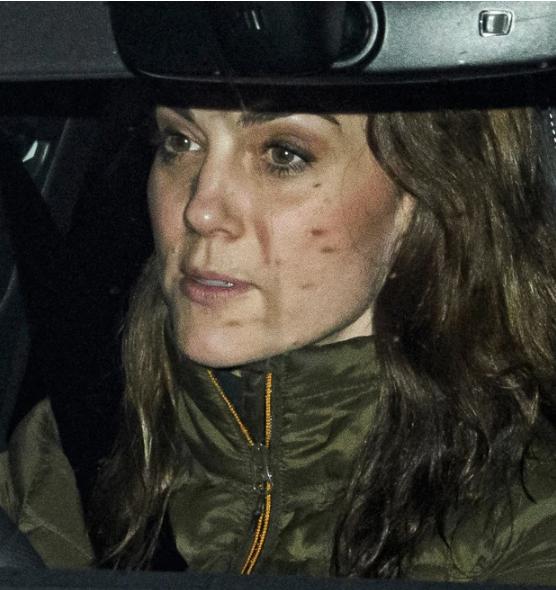Mối thù hoàng gia: Công nương Kate xuất hiện kém sắc, đáng thương khi bị em dâu Meghan hủy hoại đúng ngày sinh nhật bởi thông báo gây sốc - Ảnh 1.