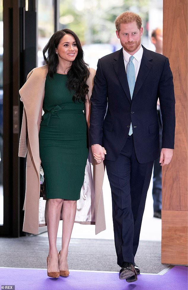 Nữ hoàng Anh tiều tụy sau cú sốc hoàng gia còn Tổng thống Trump chỉ nói đúng một câu về vợ chồng Meghan Marke khiến ai cũng đồng tình ủng hộ - Ảnh 4.