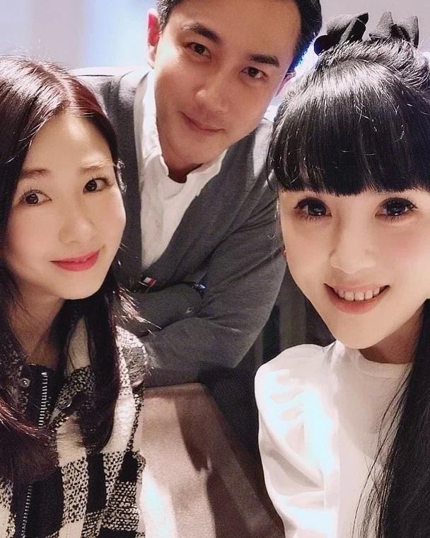 Dương Mịch - Ngụy Đại Huân chia tay, Lưu Khải Uy cười mãn nguyện chụp ảnh cùng gái lạ? - Ảnh 5.