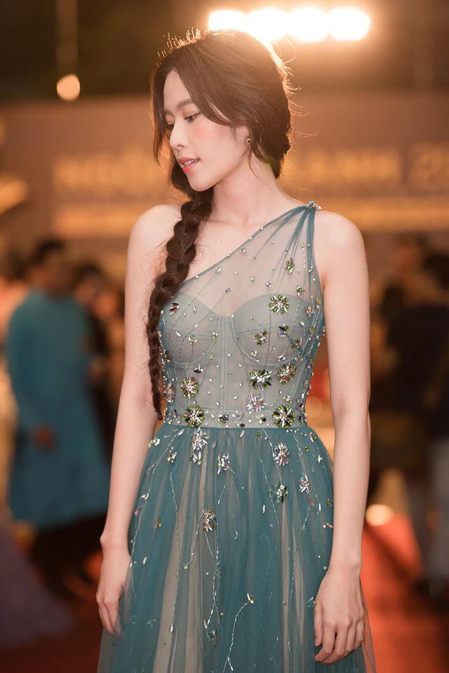 Chuyện váy áo của Nam Em sóng gió như chính cô vậy: Lúc lên bổng lúc xuống trầm, thời gian gần đây khiến nhiều người bất ngờ - Ảnh 7.