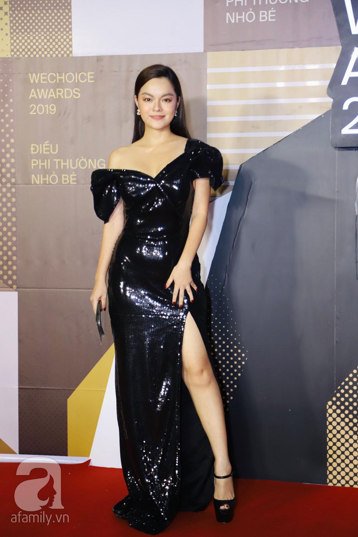 Chẳng đụng trang phục, loạt mỹ nhân Việt lại đụng nhau công thức khoe dáng tại thảm đỏ WeChoice Awards 2019 - Ảnh 1.