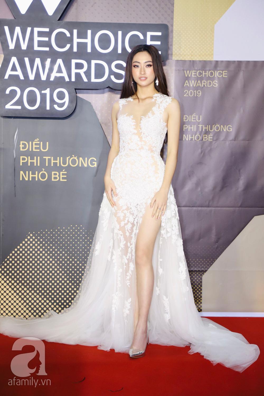 Chẳng đụng trang phục, loạt mỹ nhân Việt lại đụng nhau công thức khoe dáng tại thảm đỏ WeChoice Awards 2019 - Ảnh 6.