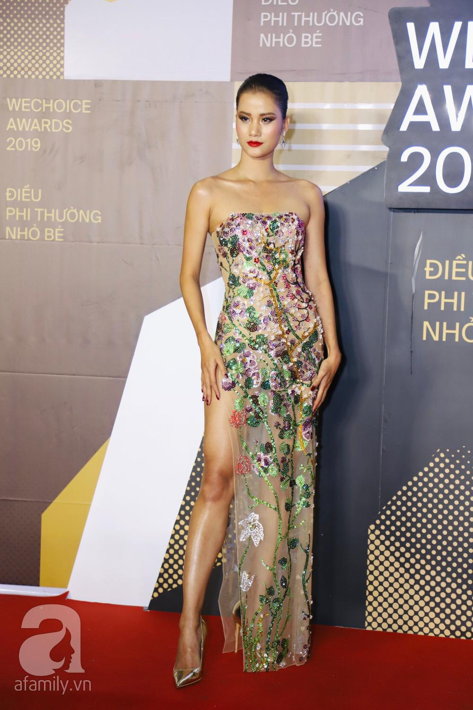 Chẳng đụng trang phục, loạt mỹ nhân Việt lại đụng nhau công thức khoe dáng tại thảm đỏ WeChoice Awards 2019 - Ảnh 7.
