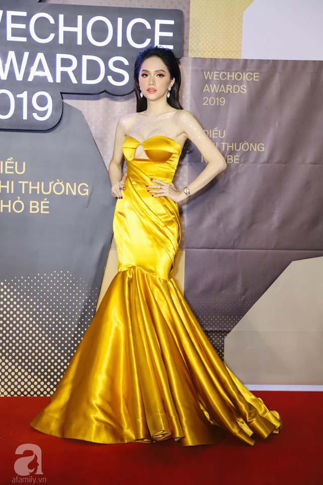 Hoa hậu Hương Giang gây hoang mang khi xuất hiện trên thảm đỏ WeChoice Awards 2019 với thân hình cò hương - Ảnh 3.