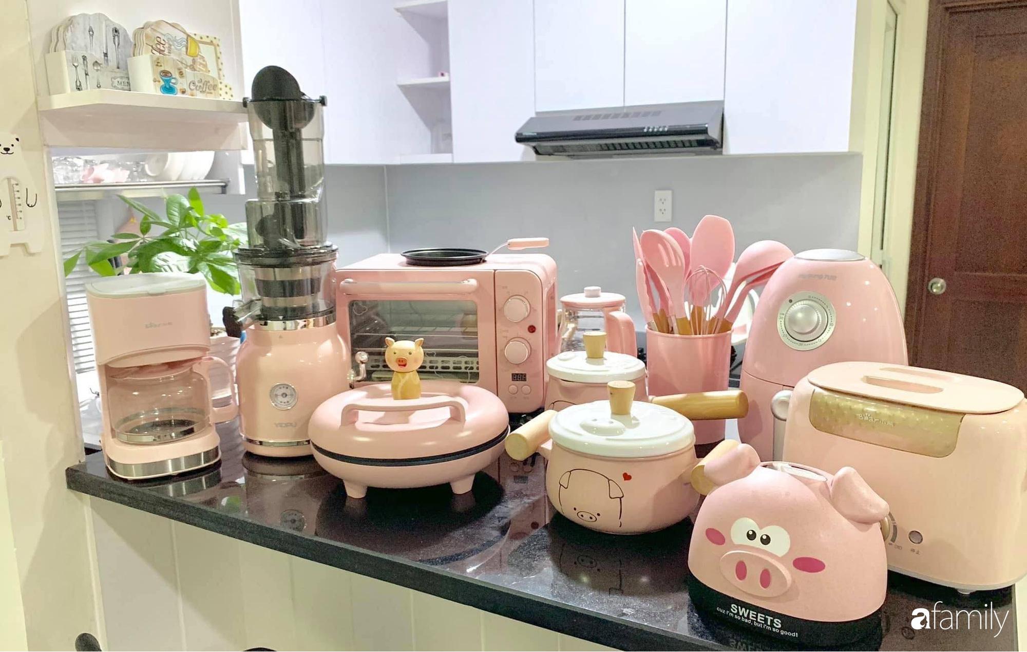 """Căn bếp màu hồng ngọt ngào đẹp """"rụng tim"""" của cô nàng dành tất cả niềm đam mê cho việc làm bánh ở Sài Gòn - Ảnh 21."""