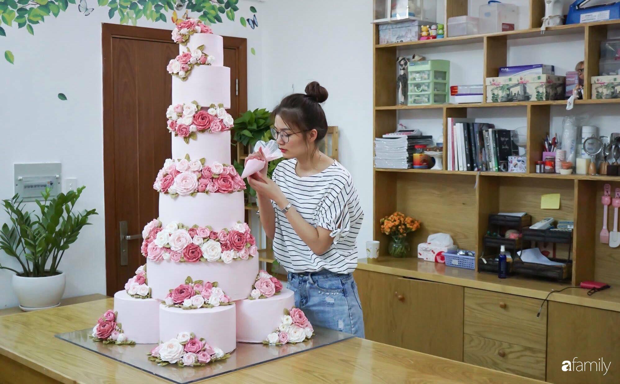 """Căn bếp màu hồng ngọt ngào đẹp """"rụng tim"""" của cô nàng dành tất cả niềm đam mê cho việc làm bánh ở Sài Gòn - Ảnh 2."""