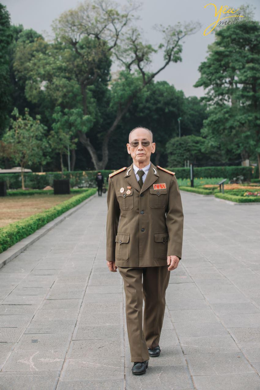 Bộ ảnh chụp kỉ niệm 60 năm ngày cưới siêu lãng mạn tại Hà Nội - Ảnh 6.