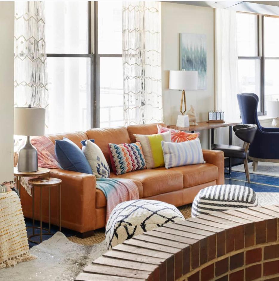 Rộng 180 mét vuông, đây là căn hộ điển hình cho sự tinh tế được xây dựng trên một ngân sách hạn hẹp - Ảnh 2.