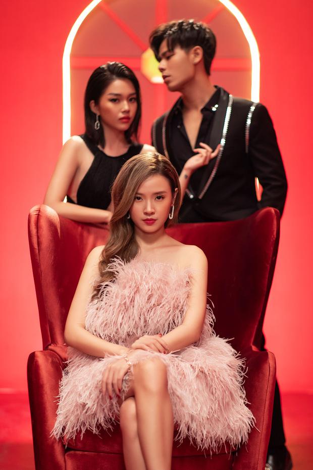 Midu bất ngờ hé lộ lý do ra MV trùng ngày đính hôn với thiếu gia Phan Thành 5 năm trước - Ảnh 1.