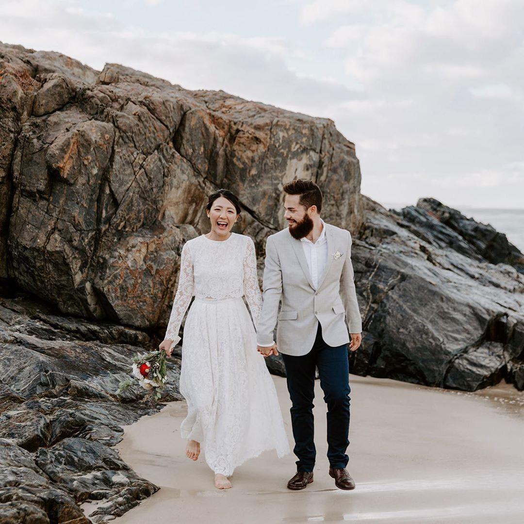 Mẫu váy cưới bán chạy nhất 2019: Mỗi ngày bán được 9 chiếc, khiến các cô dâu trên thế giới phát cuồng - Ảnh 5.