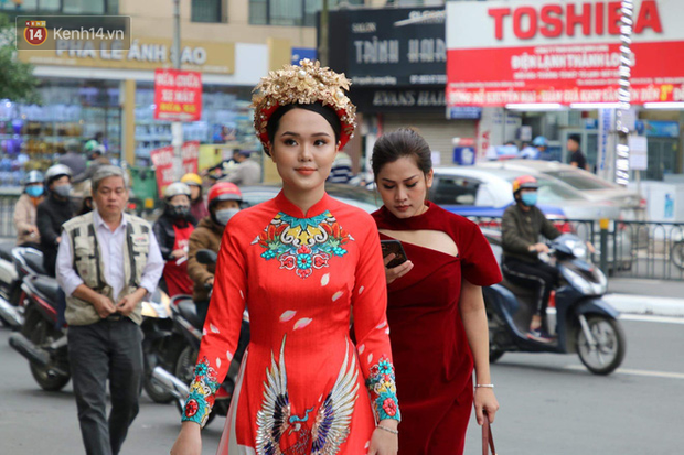 Cô dâu Quỳnh Anh khiến dân tình choáng ngợp với xiêm y lộng lẫy, sang chảnh hệt như Phú Sát Hoàng hậu trong Như Ý Truyện - Ảnh 2.