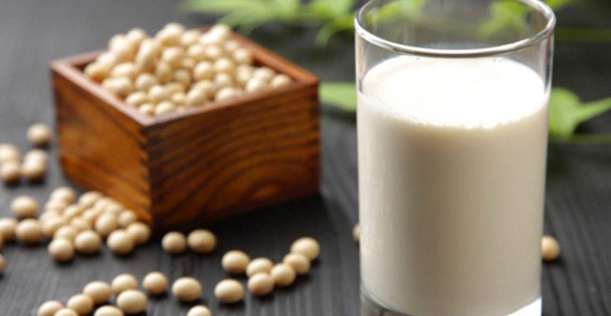 """Chăm uống loại sữa này, chị em sẽ """"cầm chắc"""" vô vàn lợi ích mà sữa bò khó mang lại được, nhất là ai muốn trẻ mãi không già - Ảnh 4."""