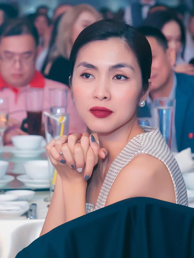 Hà Tăng make up đơn giản mà vẫn đẹp đến lịm tim, tất cả nhờ đôi môi đỏ mọng gợi cảm, chị em muốn học theo cũng không hề khó - Ảnh 1.