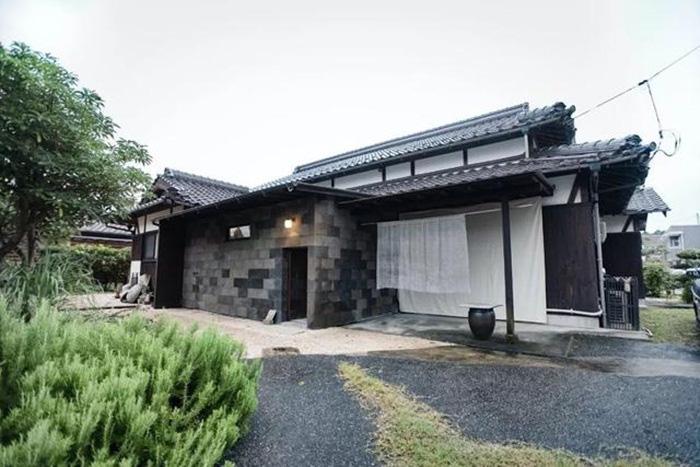 Cuộc sống thảnh thơi trong ngôi nhà vườn bình yên rợp bóng cây xanh của cặp vợ chồng người Nhật có niềm đam mê đặc biệt với cà phê - Ảnh 1.
