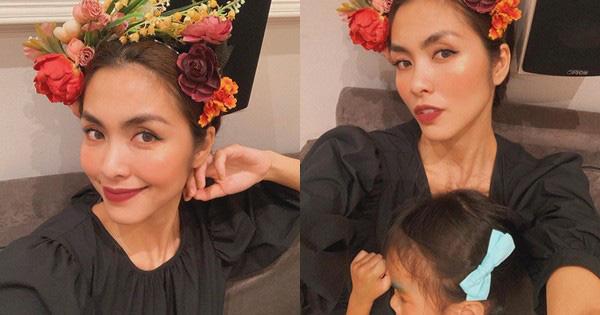 """Được mẹ cho đi dự tiệc cưới, con gái Tăng Thanh Hà khiến công chúng """"tan chảy"""" vì những hành động đáng yêu hết nấc - Ảnh 3."""