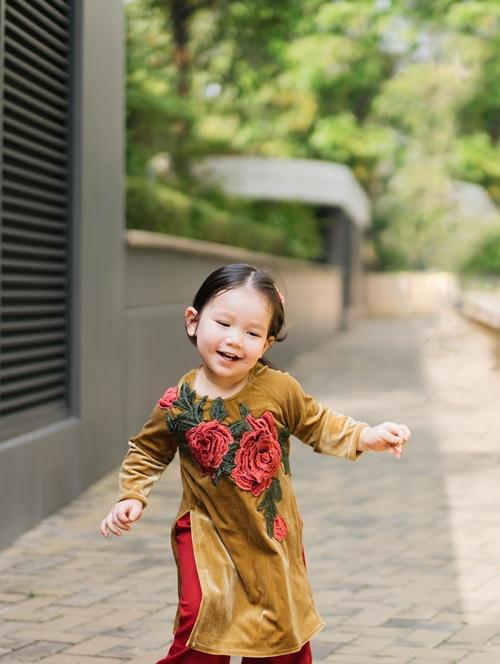 Khi các nhóc tì nhà sao Việt diện áo dài đón Tết: Con gái Hà Anh siê nhí nhảnh, quý từ nhà Đan Trường chững chạc thấy rõ - Ảnh 5.