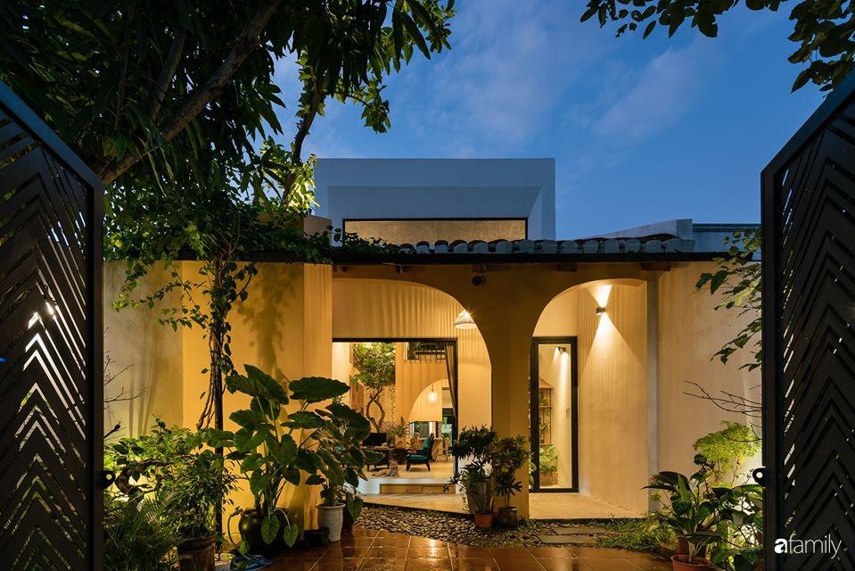 Ngôi nhà gắn liền với những hoài niệm xưa cũ đẹp bình yên dưới những bóng cây ở Quảng Nam - Ảnh 3.